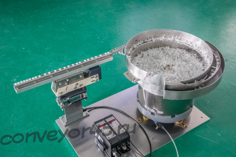 Чашечный вибропитатель для ориентации и подачи пластиковых колпачков, модель NTM-450 CCW